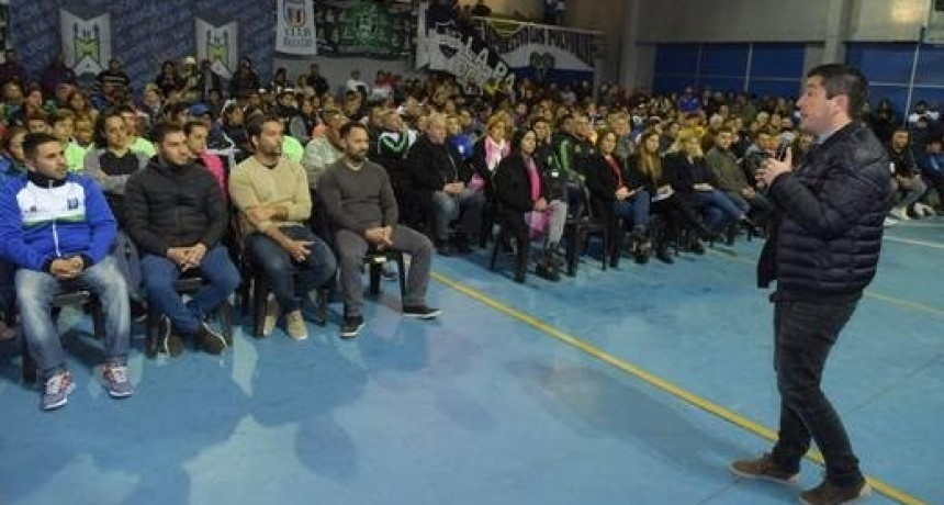 Malvinas Argentinas: Leo Nardini entregó subsidios a 84 Clubes de barrio