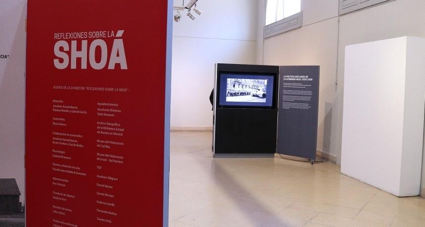 """La Plata: Permanece abierta la muestra """"Reflexiones de la Shoá"""" del Museo del Holocausto"""