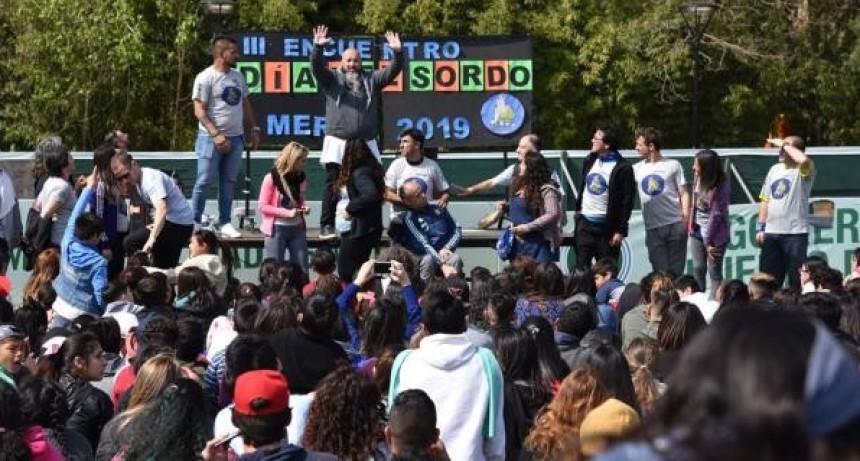 Merlo: Más de 500 estudiantes participaron de la Jornada por el Día Nacional de las Personas Sordas