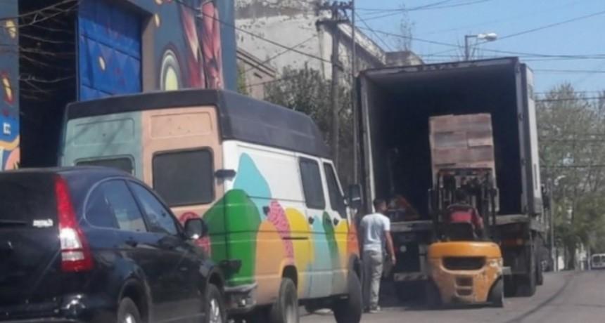 Quilmes: Denuncian a Molina por desvío de alimentos desde un galpón municipal