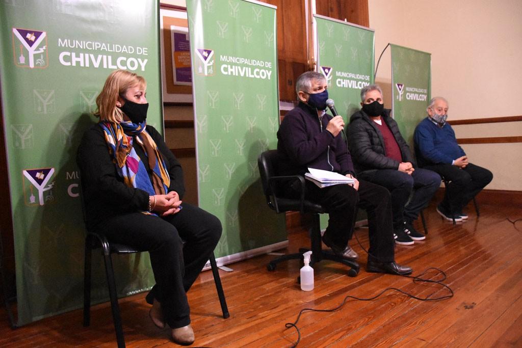 Chivilcoy: Britos anunció un Bono Especial a cuenta de paritarias y un aumento de $2000 al básico de todos los municipales