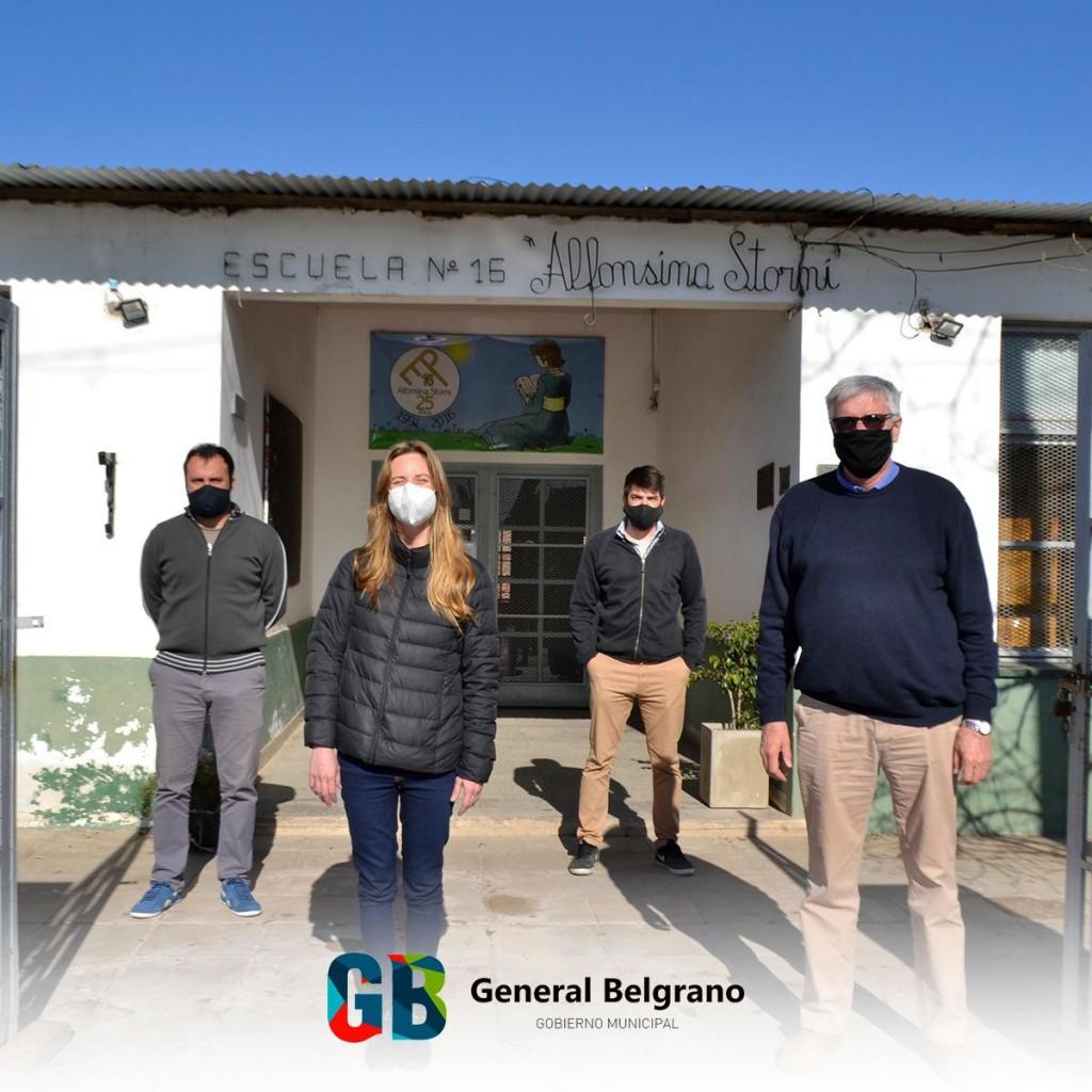 Gral. Belgrano: El intendente Dinapoli recorrió las escuelas junto a la Ministra Agustina Vila