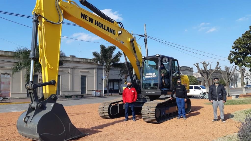 Gral. Arenales: La Municipalidad invirtió 168 mil dólares en la compra de una Excavadora Hidráulica