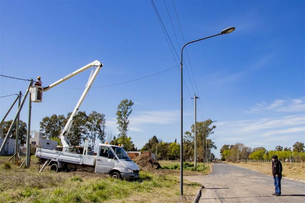 Junín: Finalizó el plan de reconversión lumínica del camino que une la Laguna de Gómez con la Ruta 65