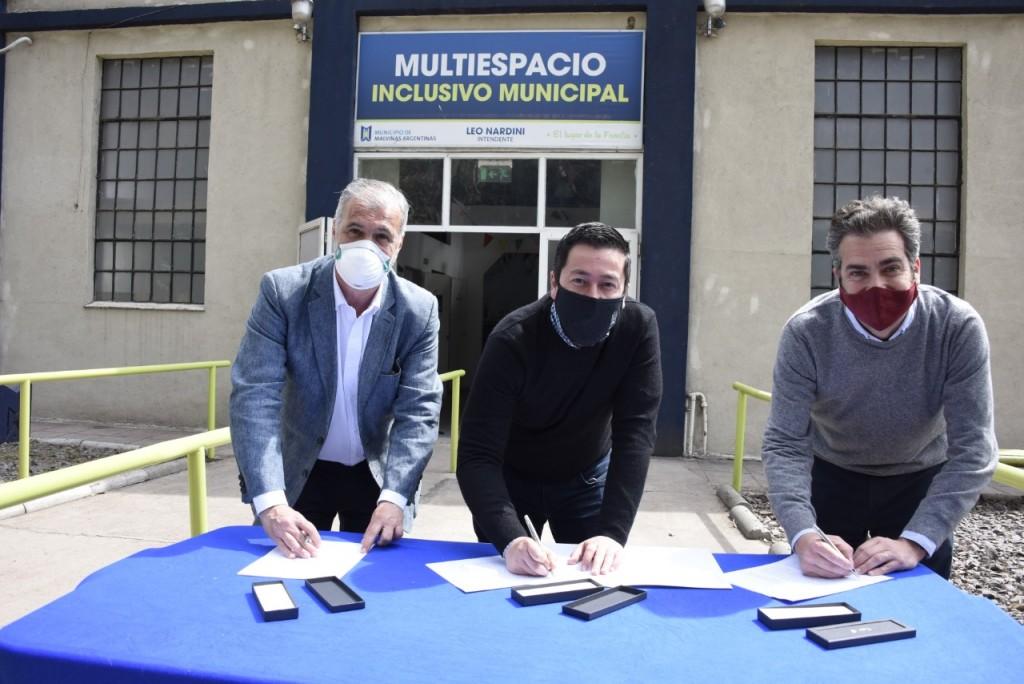 Malvinas Argentinas: Nardini firmó un convenio relacionado con la primera infancia