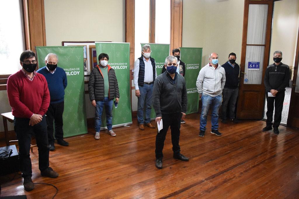 Chivilcoy: El intendente Guillermo Britos hizo entrega de subsidios por clubes e instituciones