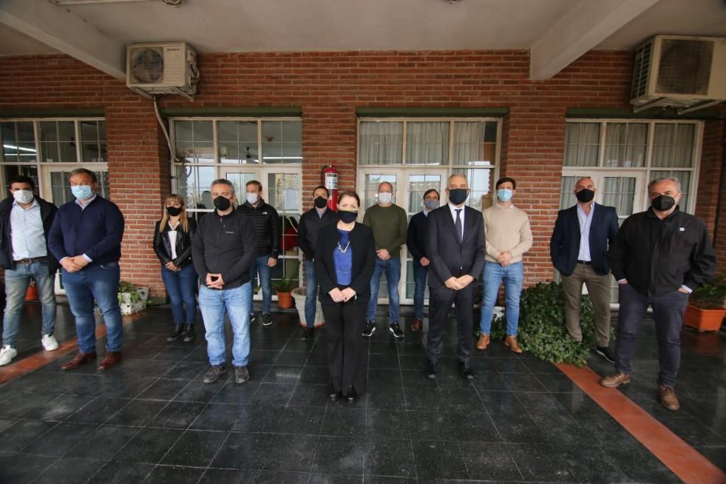 Pte. Perón: Encuentro de intendentes y ministros para analizar la situación en Guernica