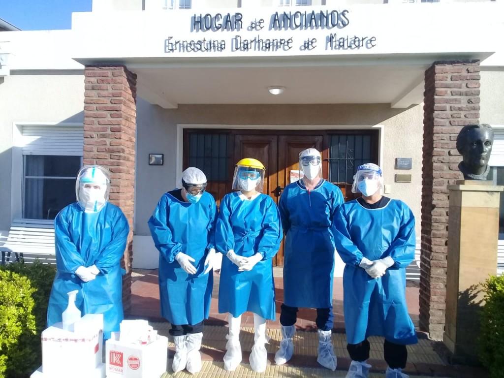 Azul: Hisopados en el Hogar Malere