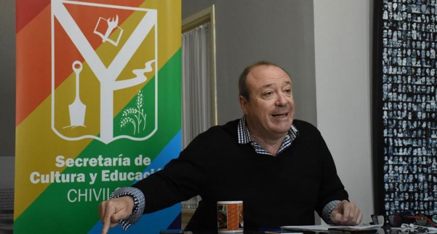 Chivilcoy: Entregan subsidios a Talleres Literarios para la compra de insumos y materiales