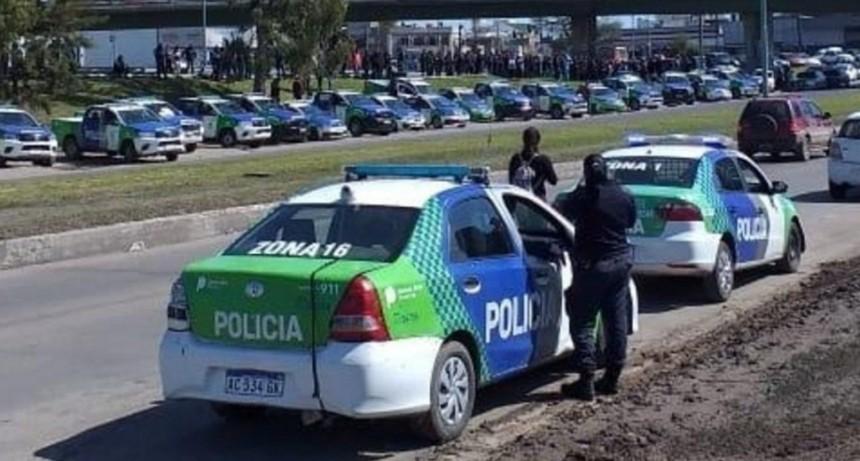 Fuerte reclamo salarial de la Policía Bonaerense, que podría dejar sin seguridad las calles