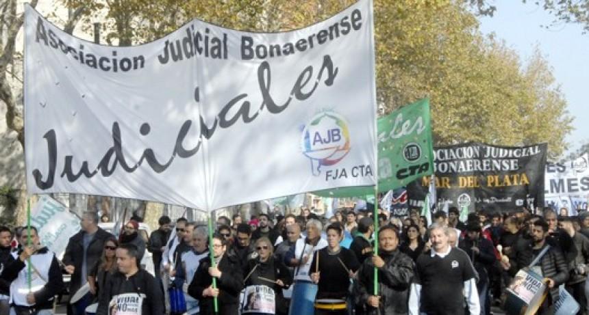 Los judiciales bonaerenses lograron la continuidad de la negociación salarial