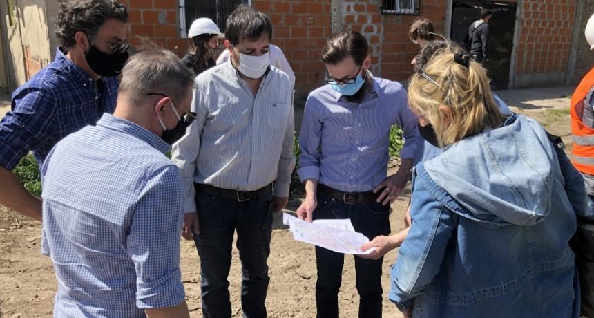 San Martín: El intendente Moreira y el ministro Simone recorrieron obras en José León Suárez