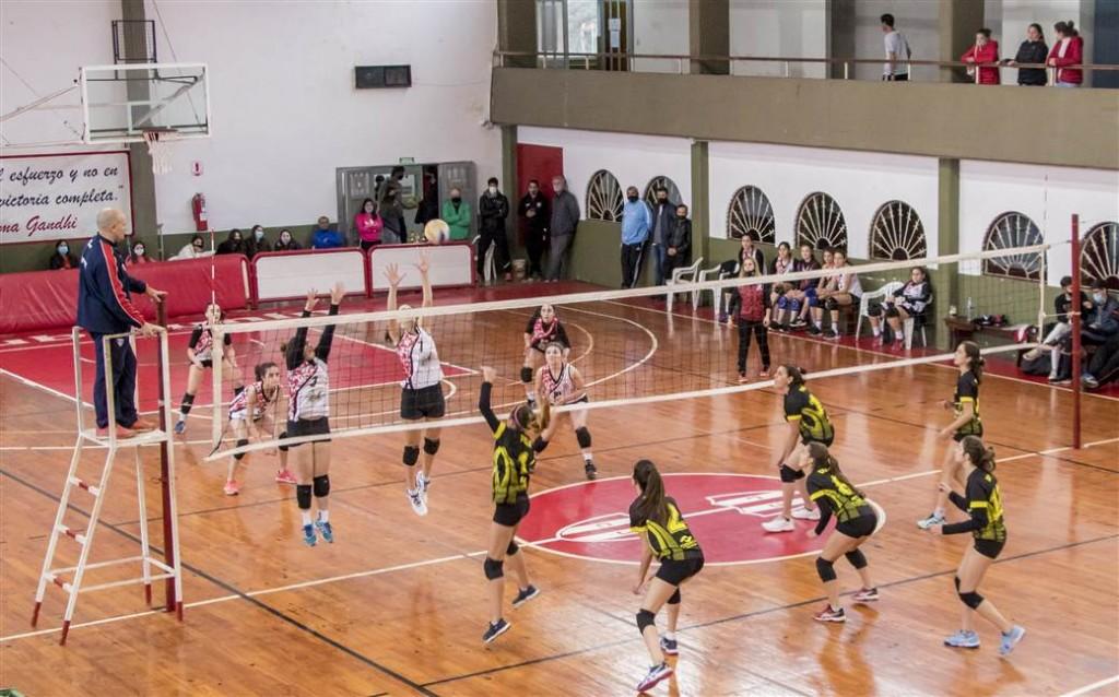 Junín: El Municipio acompañó al Club Junín en la realización de un importante torneo de vóley