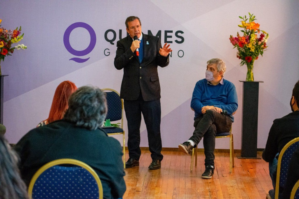 Quilmes: Se presentó el programa Argentina Florece Teatral