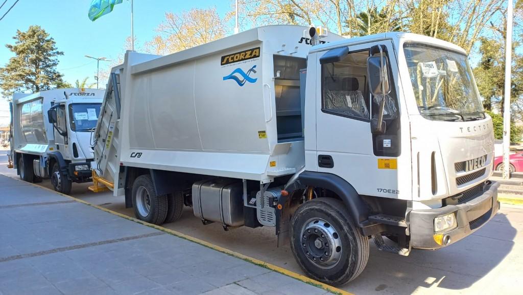 San Vicente: Llegaron los dos primeros compactadores de basura al distrito
