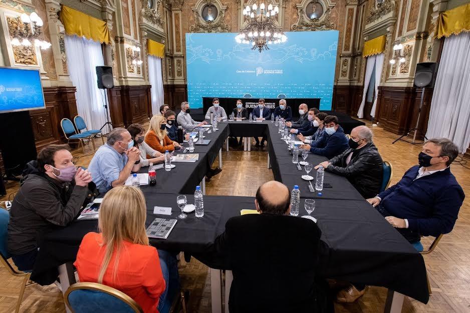 El gobernador Kicillof se reunió con intendentes e intendentas de la tercera sección electoral
