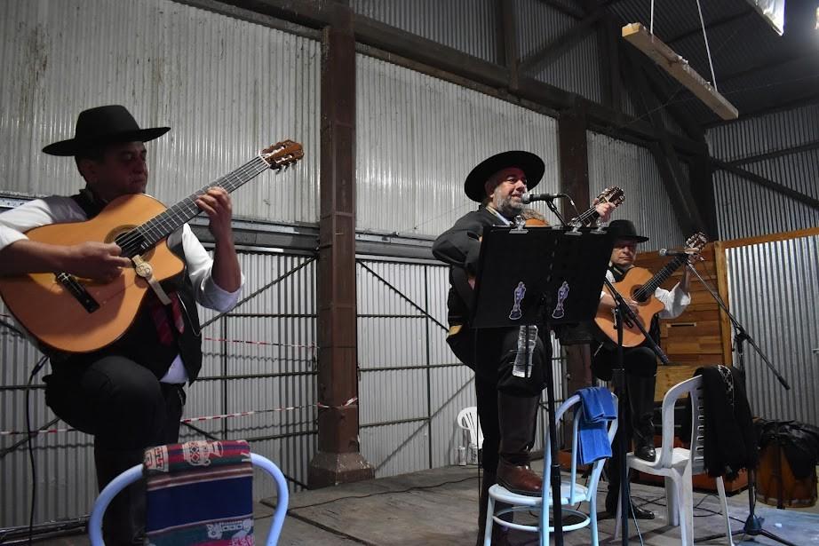"Mercedes: Volvieron las ""Peñas folklóricas"" en La Trocha"