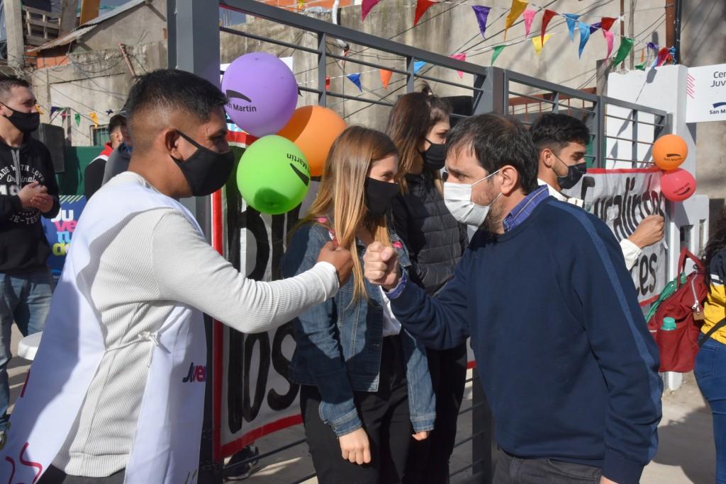 San Martín: Fernando Moreira inauguró un Centro Juvenil en el barrio Los Eucaliptos
