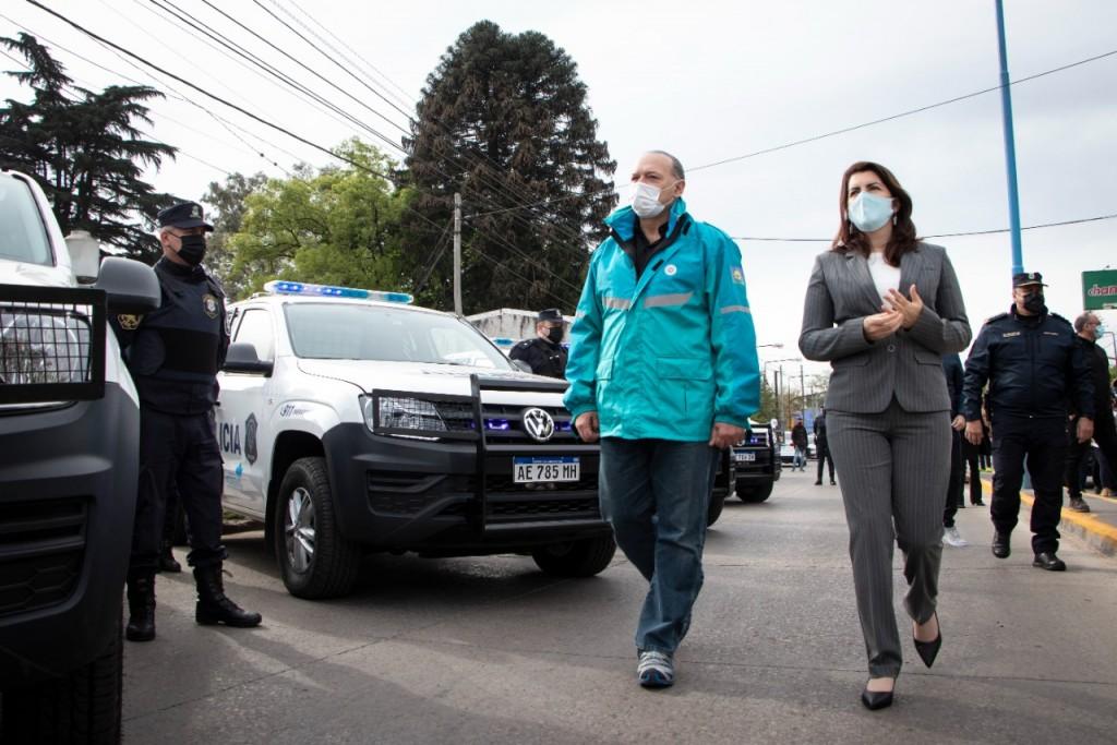 Moreno: Mariel Fernández y Sergio Berni presentaron 37 nuevos móviles policiales