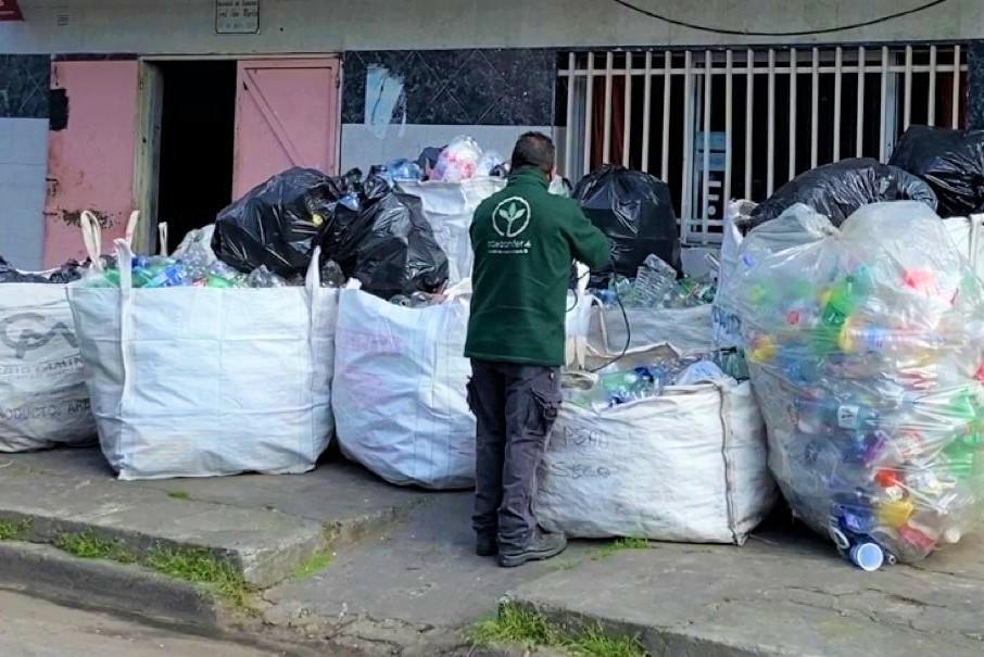 San Fernando: El Municipio y las murgas continúan reciclando en distintos barrios