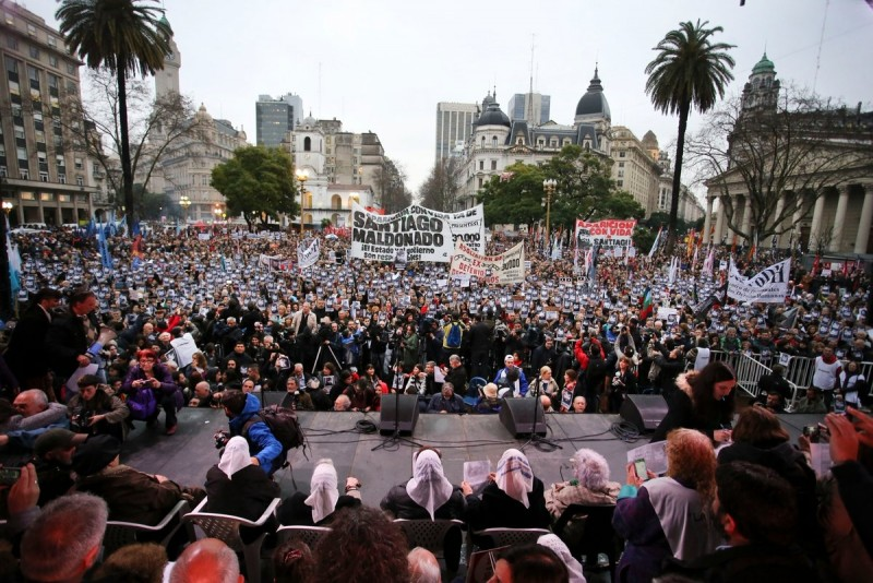 Santiago Maldonado: Masiva marcha para pedir la aparición con vida