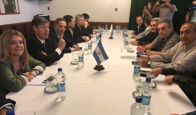 """La CGT se reunió con legisladores del PJ y pidió la """"defensa del modelo sindical argentino"""""""