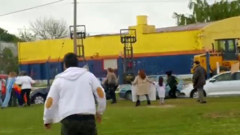 La Pampa: Un asistente a un acto de Macri lo increpó al grito de
