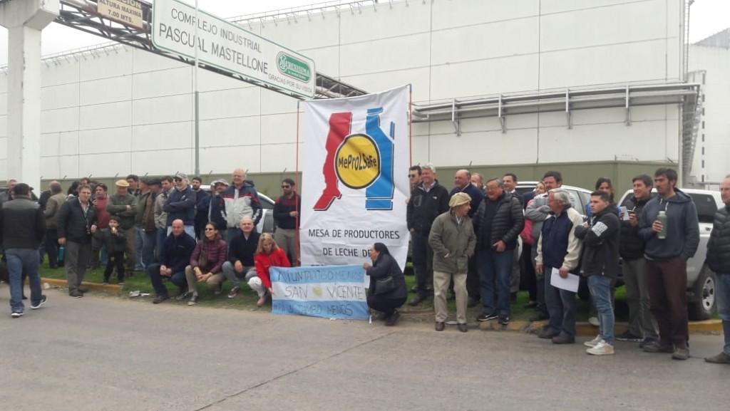 Gral. Rodríguez: Gran movilización de tamberos hasta la planta de La Serenísima