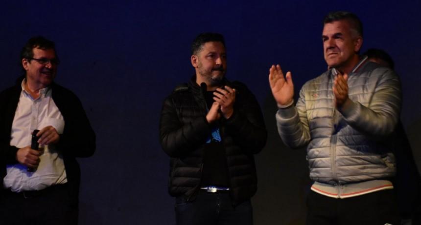 """Merlo: Se proyectó la película """"El Camino de Santiago"""" en el Teatro Municipal"""