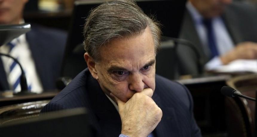 El bloque de Pichetto perdería dos senadores que se acercan a CFK