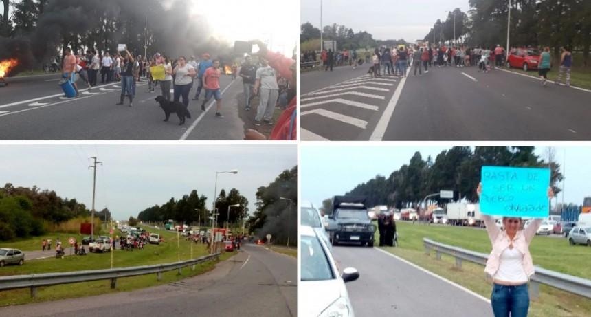 Olivera: Vecinos cortaron la Autopista 5 Luján - Mercedes en reclamo por inseguridad