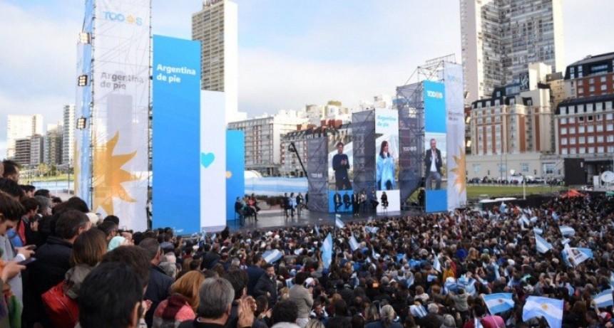 """Alberto Fernández en Mar del Plata: """"Con Cristina pondremos de pie a la Argentina"""""""