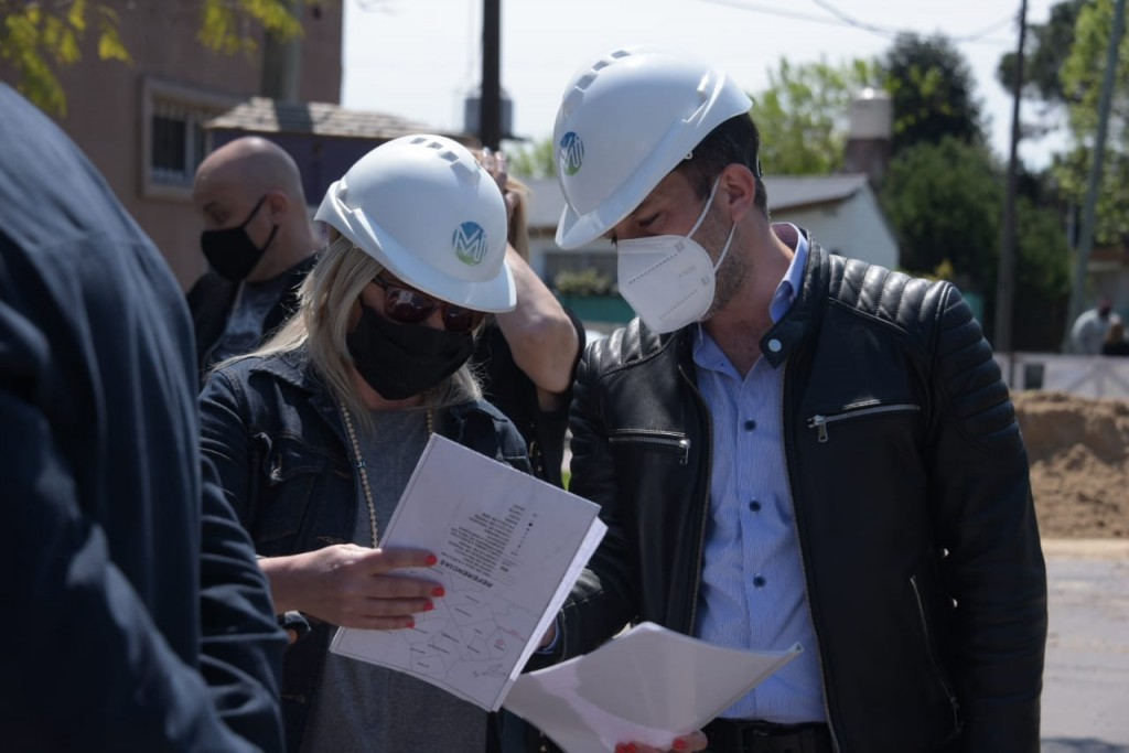 Ituzaingó: Descalzo y Galmarini recorrieron obras y firmaron un convenio