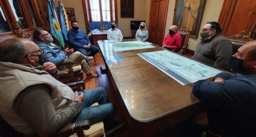 Azul: El intendente Bertellys se reunió con trabajadores de institutos de menores