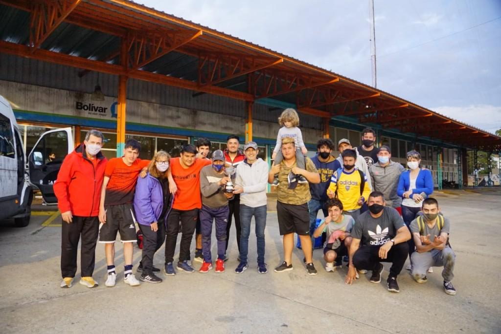 Bolívar: El Intendente Pisano recibió al equipo municipal de fútbol de paradeporte que se consagro campeón