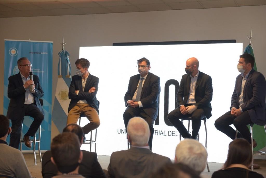 Ituzaingó: El Intendente Descalzo y el Ministro Maroni llevaron a cabo una jornada de trabajo