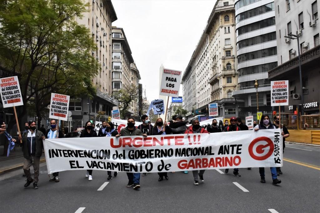 """Nadia Ponce: """"Los empleados de Garbarino fuimos a pedirle al presidente Fernández que salve nuestros 4000 puestos de trabajo. Hace seis meses que no cobramos el salario"""""""