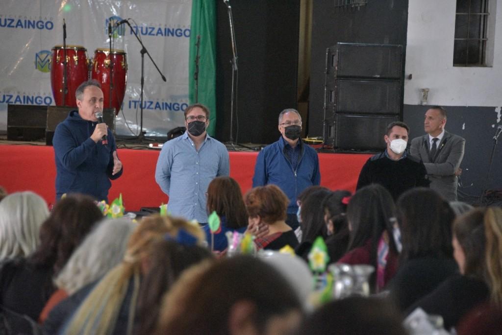 Ituzaingó: Descalzo y Piana participaron del Aniversario N°25 de las Manzaneras