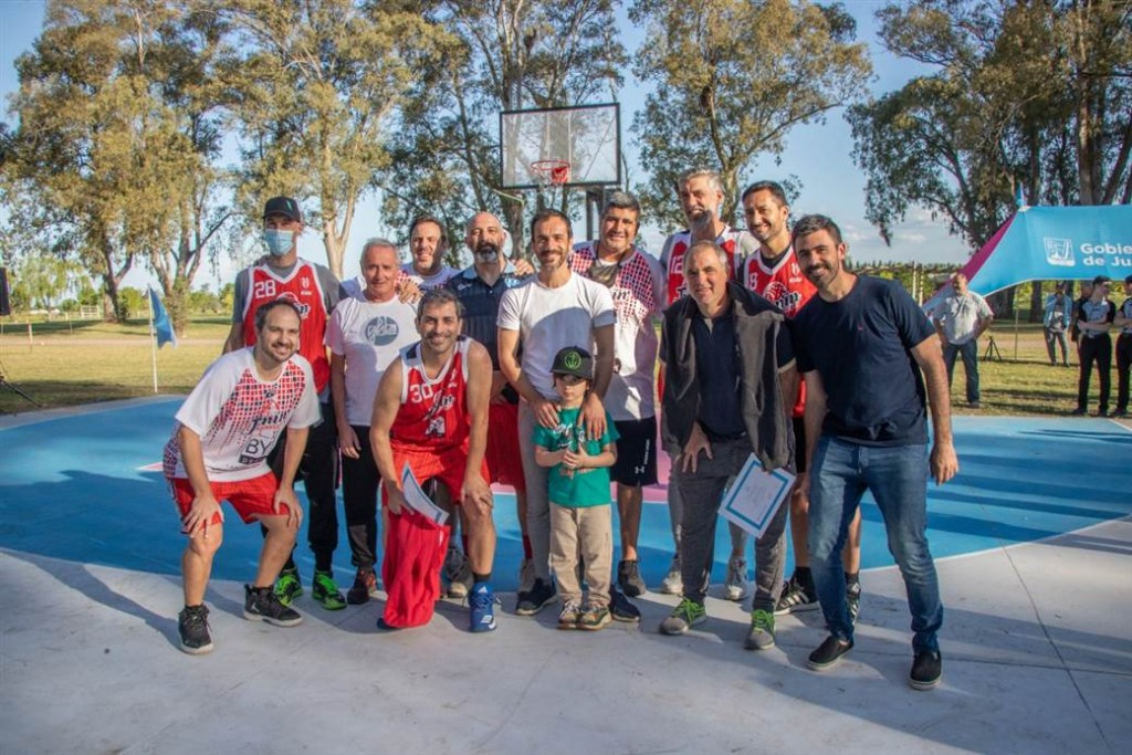 Junín: Petrecca inauguró una cancha de básquet 3x3 en el Parque Borchex