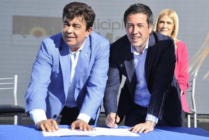 La Matanza: Fernando Espinoza y el Ministro Nardini firmaron un convenio para obras de pavimentos