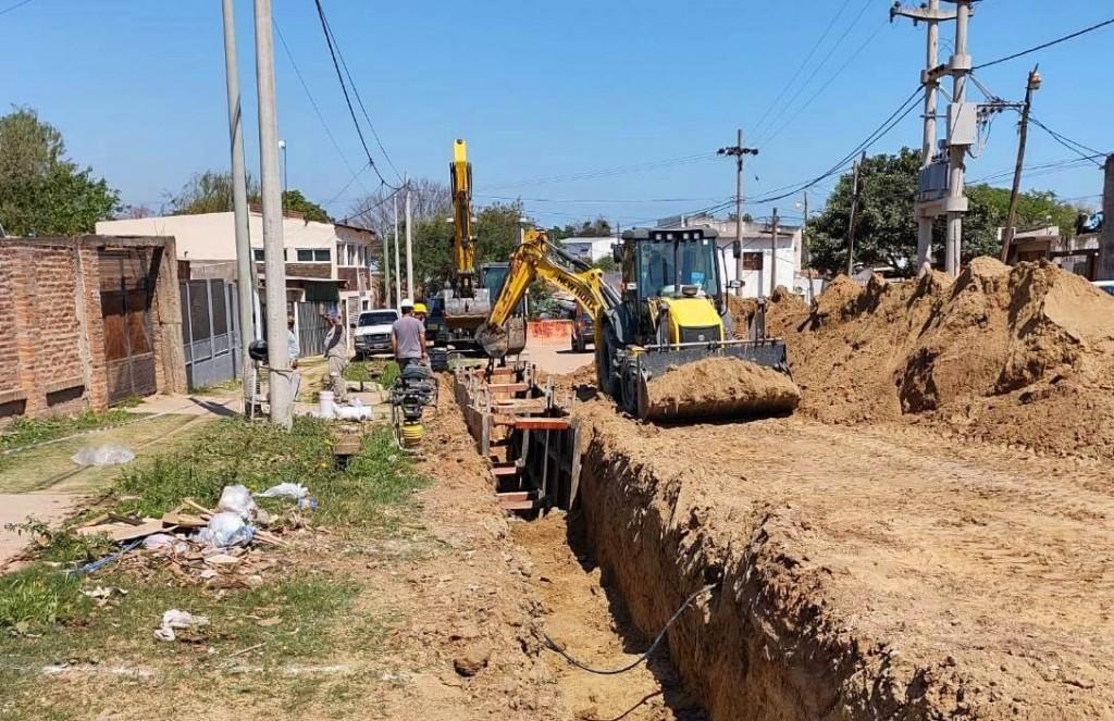 Corrientes: La Provincia amplía las redes de agua y cloacas de los barrios Lomas del mirador y Molina Punta