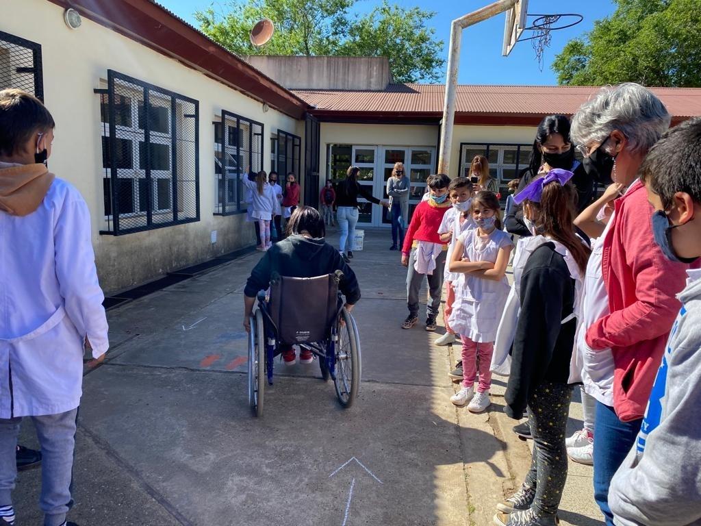 Colón (ER): La Municipalidad visitó escuelas del distrito con un taller sobre inclusión