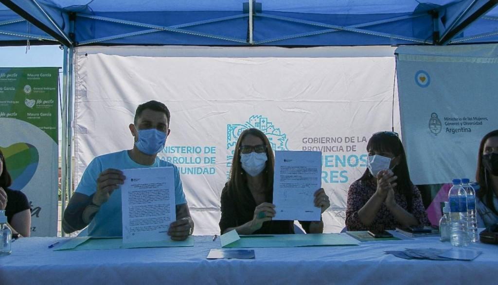 Gral. Rodríguez: El Intendente firmó un convenio para la aplicación del programa Acompañar