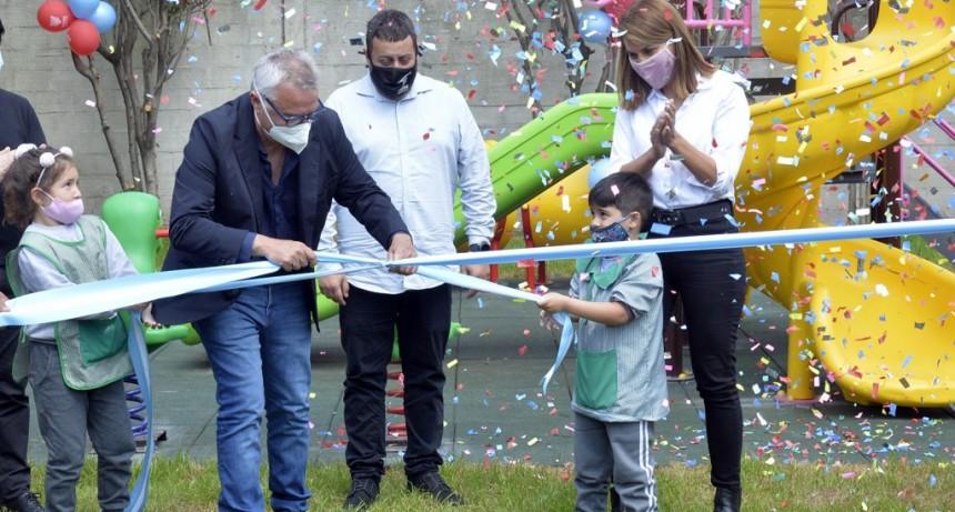 Tigre: Julio y Gisela Zamora inauguraron los nuevos juegos del Jardín N° 905 en General Pacheco