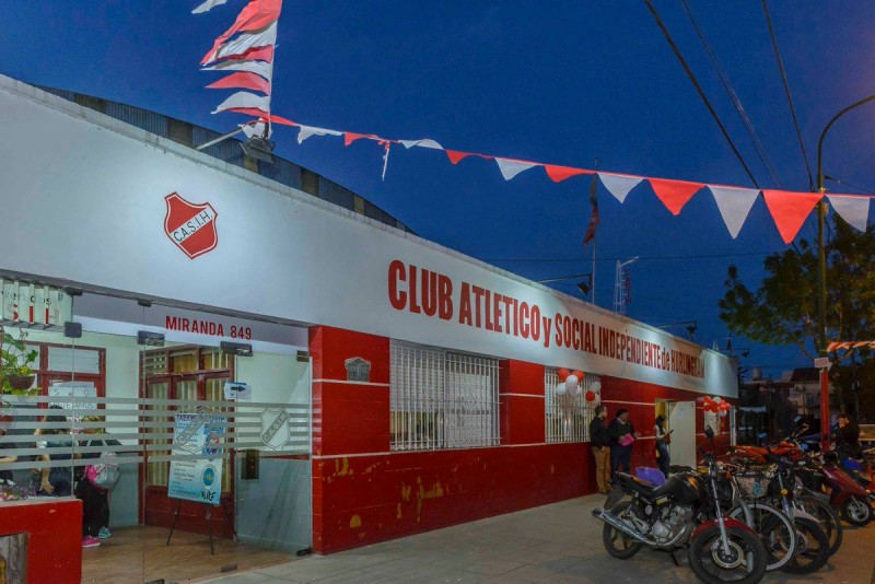 Hurlingham: Un club abrirá su sede para ver gratis las transmisiones del fútbol pago