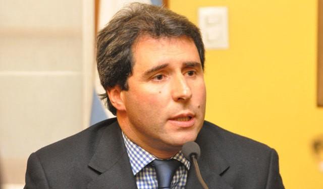 """El gobernador Uñac aseguró que """"el impuesto al vino aniquila 30 mil puestos de trabajo"""