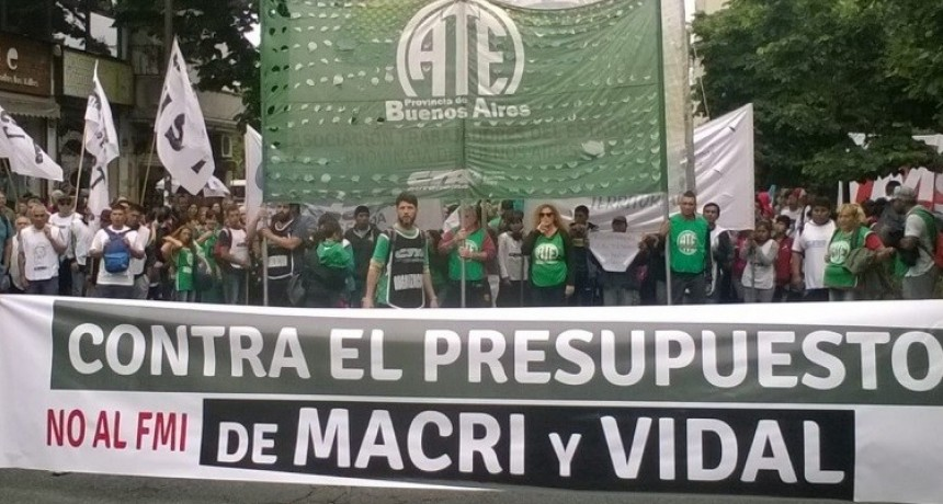 La Plata: Carpa de estatales y CTA contra el presupuesto de Vidal