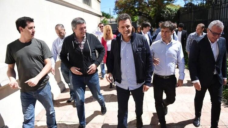 En Tigre Massa, Kicillof y Máximo se reunieron con los intendentes electos