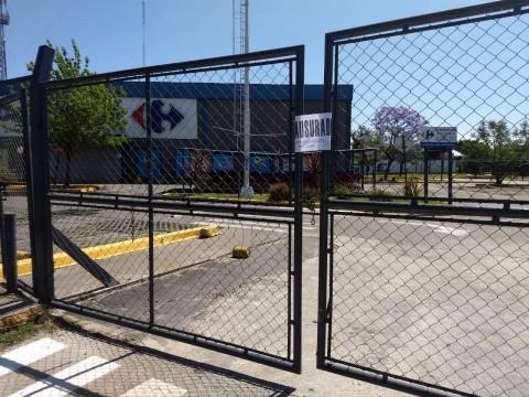 Clausuraron Carrefour de Ituzaingó por falta de higiene