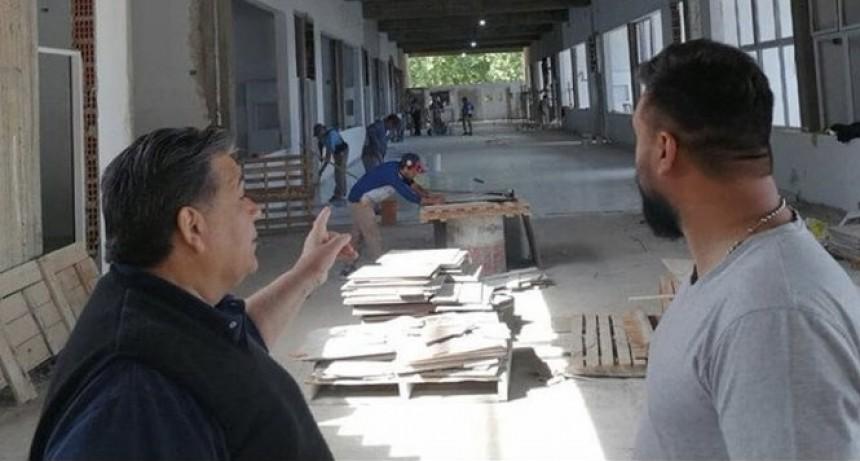 José C. Paz: Mario Ishii recorrió el avance de las obras de la Facultad de Medicina